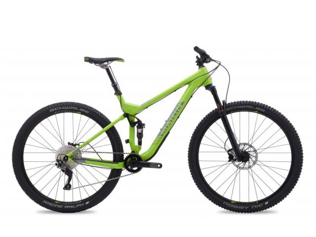 Skvelý a rýchly celoodpružený XC/Trail model od MARIN bikes... Rada Rift Zone je pýchou výrobcu a vyznačuje sa precíznym spracovaním, pekným dizajnom a spoľahlivou výbavou. Model Rift Zone 7 je postavený na ultraľahkom karbónovom ráme, so zadným Al rámovým trojuholníkom, ktorý lepšie tlmí nárazy a pôsobí o niečo tuhšie najmä pri zjazdoch lesným terénom.  Vzduchové pruženie Rock Shox Reba so zdvihom 120mm, pevnou 142mm osou a zadný tlmič Rock Shox Monarch s dvojpozičným kompresným zdvihom, pomerom prevodov 1x11 na Shimano SLX GS sú zárukou spoľahlivosti, dobrej agility bicykla a správnej voľby aj pre náročných jazdcov a profesionálov