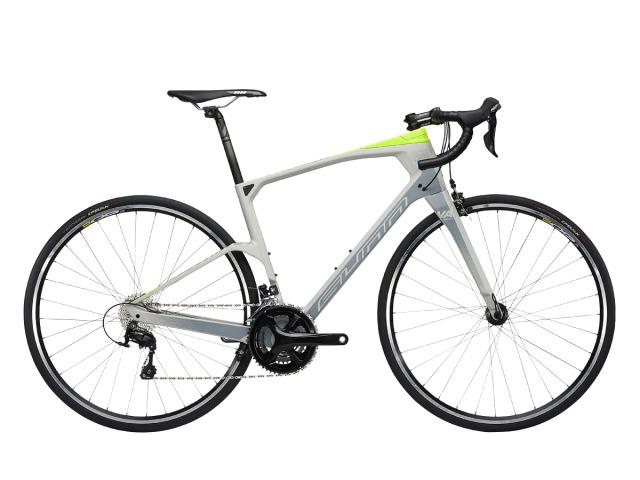 Mimoriadne pohodlný cestný bicykel. Jeho rám je vyrobený z najkvalitnejšieho karbónu aký cyklistický priemysel pozná HM Toray 700. Model je kompletovaný ručne a prechádza prísnou výstupnou kontrolou. Bicykle značky SUNN sa vyznačujú mimoriadne kvalitným spracovaním a dlhou životnosťou použitých dielov. Hand made in France.