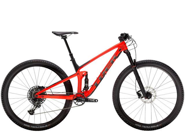 Top Fuel 9.7 je rýchly a šikovný celoodpružený karbónový bicykel, ktorý má rýchlosť cross country bicykla s funkčnosťou trailového bicykla. Umožní ti vyletieť výšľapy, bleskovo prejsť roviny a zvládnuť drsné zjazdy.