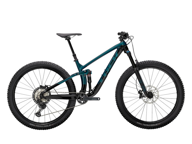 Fuel EX 8 je ideálny trailový bicykel pre jazdcov, ktorí hľadajú odolný celoodpružený bicykel, vďaka ktorému kopce nebudú trápenie, ale zároveň dokáže zvládnuť divoké trate. Je to zlatý stred v MTB línií vďaka vysokokvalitným komponentom a hliníkovému rámu.
